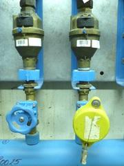Watermeter met gele kap